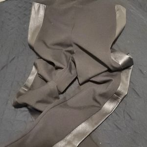 LEATHER TRIMMED LEGGINGS NWOT